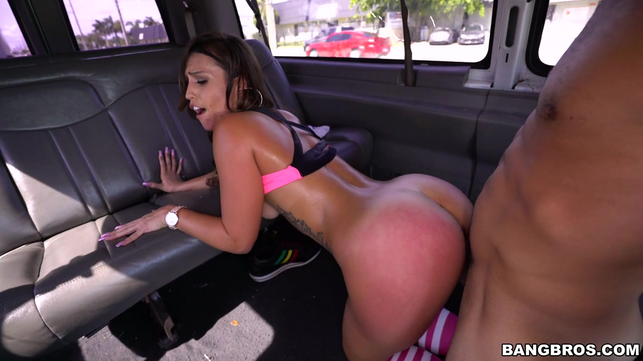 Big Booty White Girl Massage