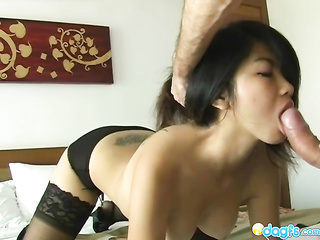 amateur asian girlfriend blowjob