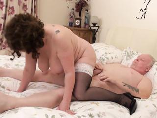 Twinz lesbias horne orgasim