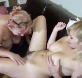 Lesbian eating hairy pussy