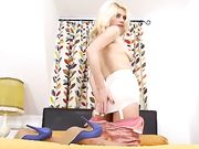 dirty heels blonde