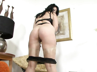 hardcore brunette mom