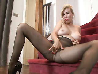 blonde mature milf mom